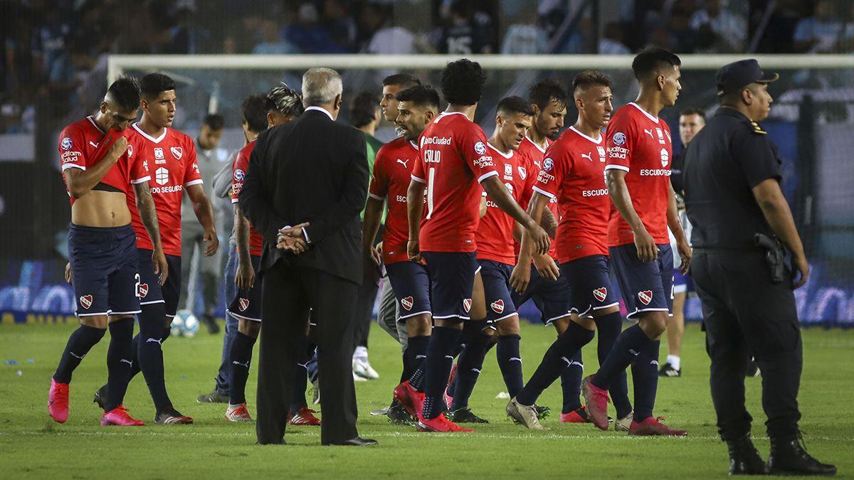 Dura derrota de Independiente tras estar gran parte del partido en superioridad numérica.