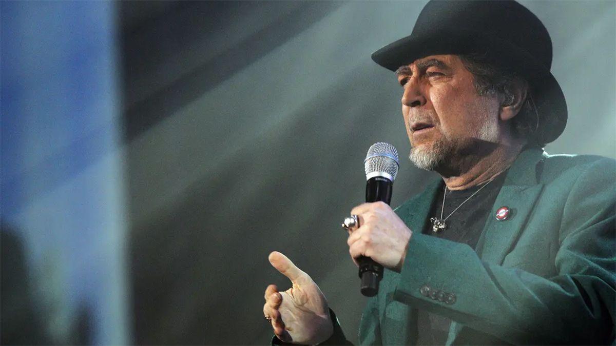 Joaquín Sabina sufrió una dura caída en pleno concierto.