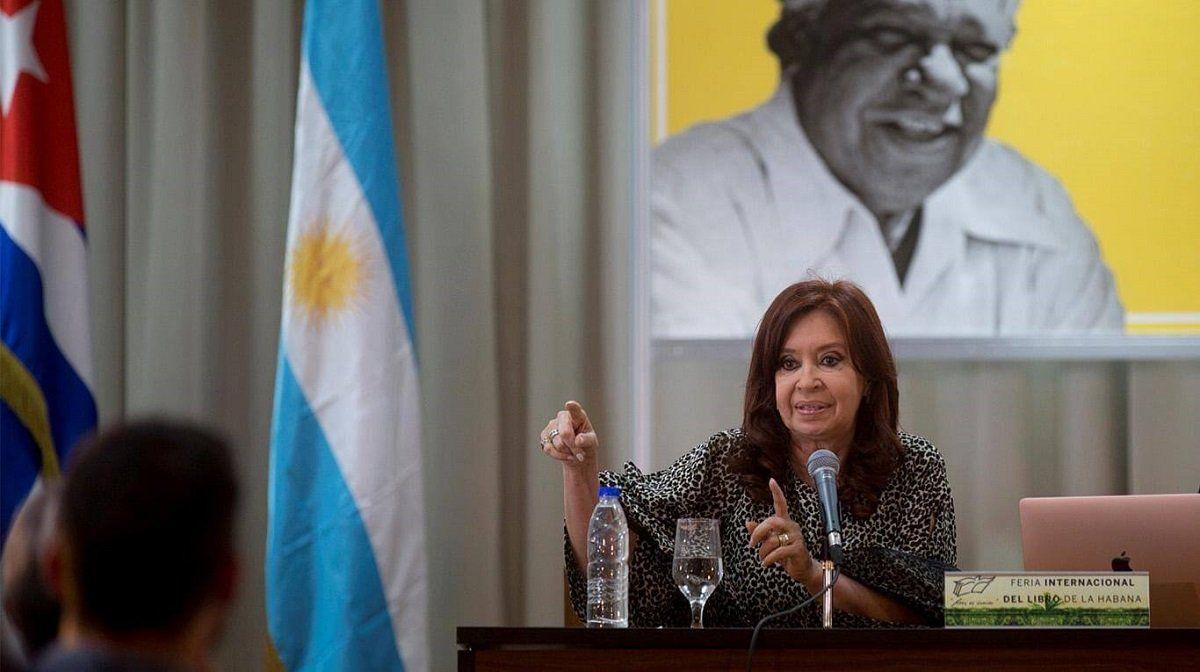 Cristina Fernández de Kirchner en la presentación de su libro en Cuba.