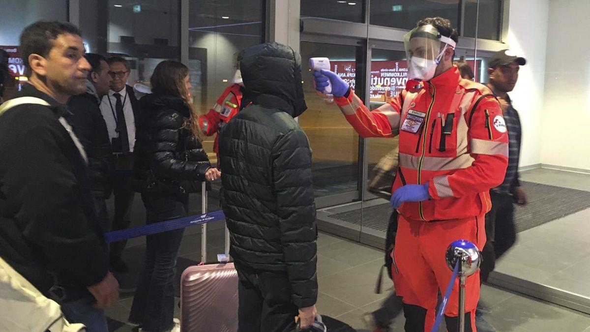 La Unión Europea determinó la apertura de sus fronteras para viajeros de 14 países.