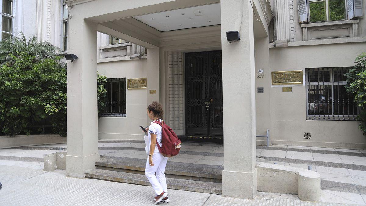 Una mujer de 81 años murió por coronavirus en el Sanatorio Otamendi.