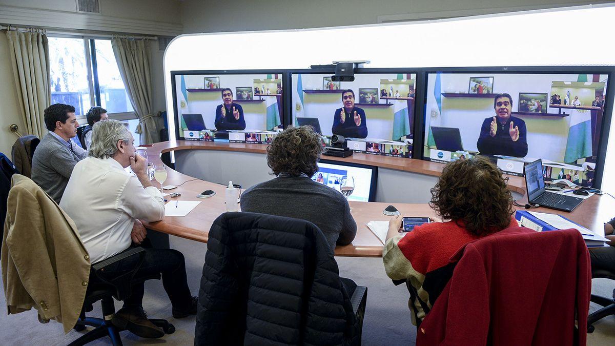 El presidente dialogó con los gobernadores via teleconferencia