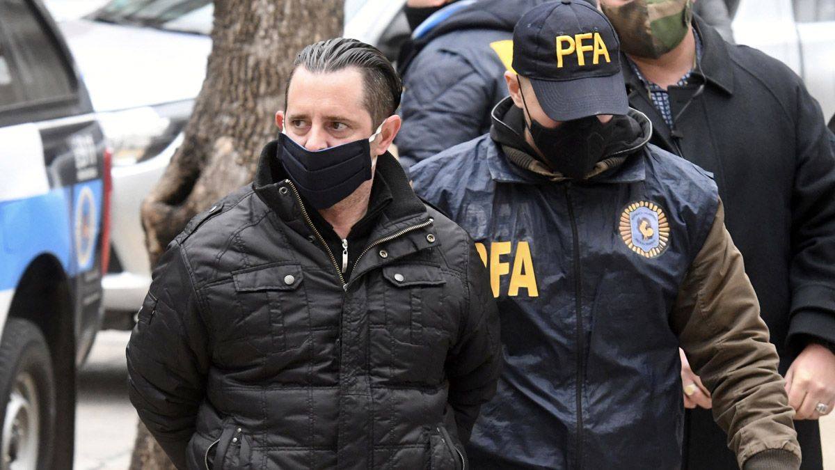Los detenidos en la causa por presunto espionaje ilegal son indagados en Lomas de Zamora.