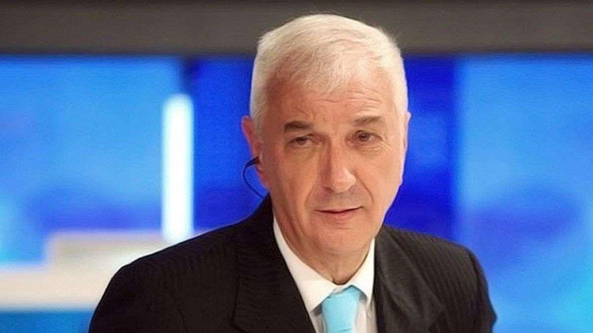 El periodista Mauro Vialetuvo que ser aislado por un caso positivo de Covid-19 en A24