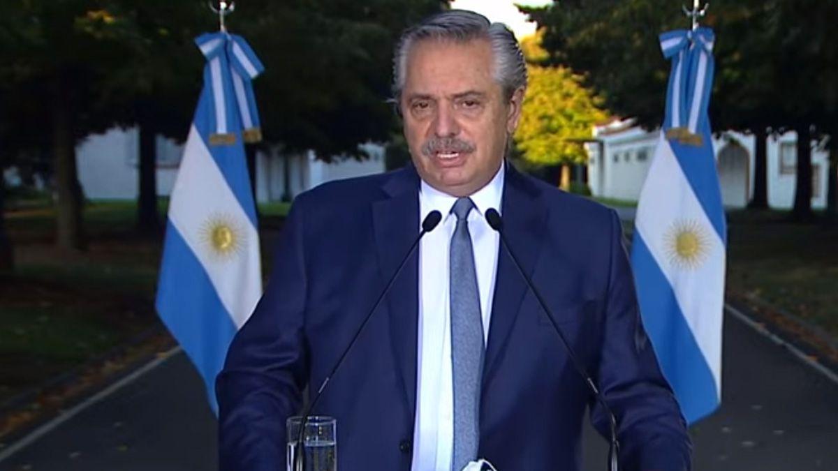 El presidente Alberto Fernández realiza los anuncios desde Olivos.