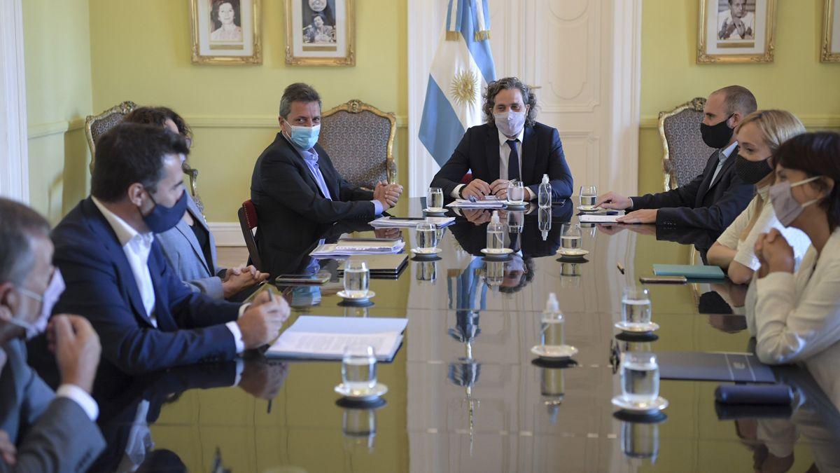 El gabinete económico acordó reformular el proyecto de cambios en Ganancias.