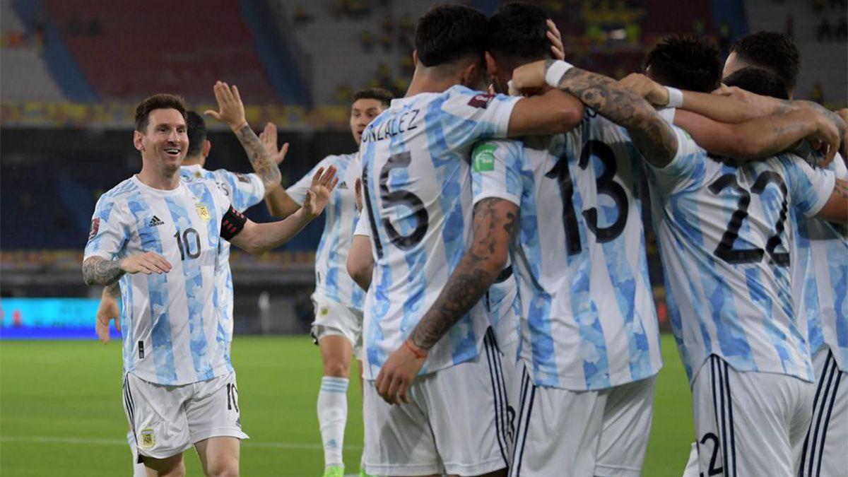 Argentina quiere seguir la senda de victoria ante su público y recibe a Perú
