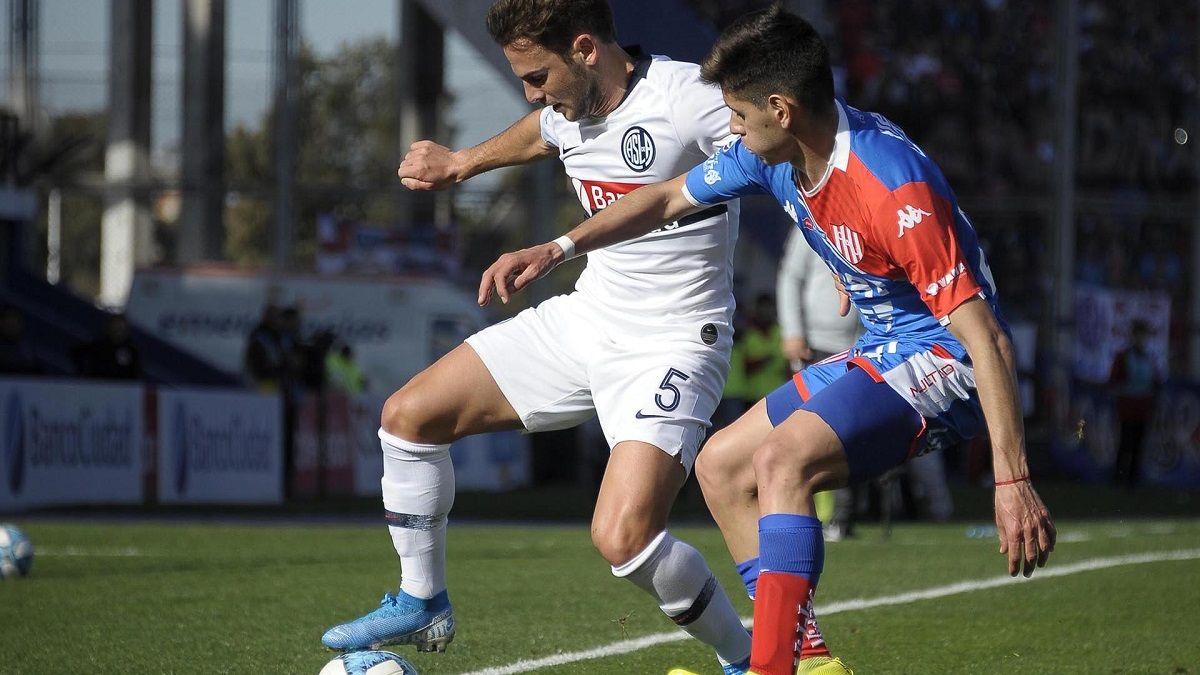 Unión y San Lorenzo se enfrentan esta noche por la Copa de la Liga.