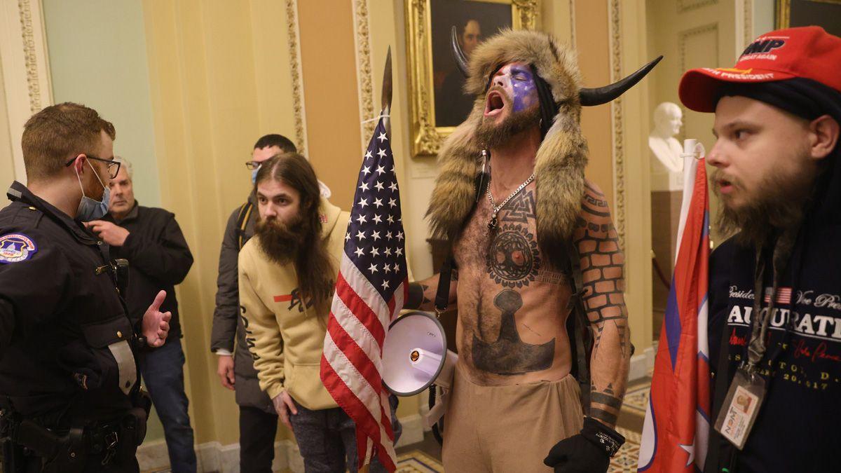 Los manifestantes ingresaron por la fuerza al Congreso.