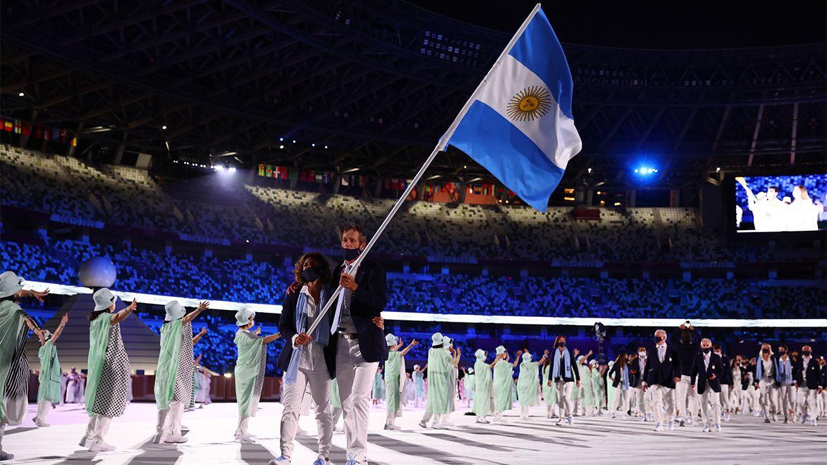 Cecilia Carranza y Santiago Lange fueron los abanderados de la delegación argentina.