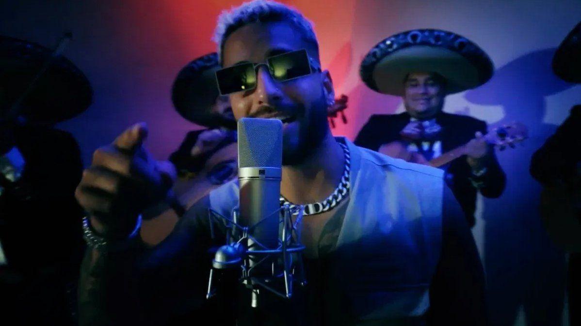 Carlos Rivera y Maluma estrenaron la canción 100 años