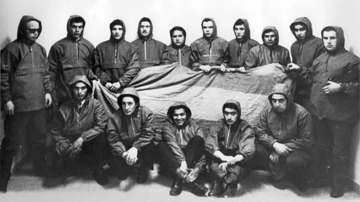 Los jóvenes de Malvinas que participaron del Operativo Cóndor en 1966.