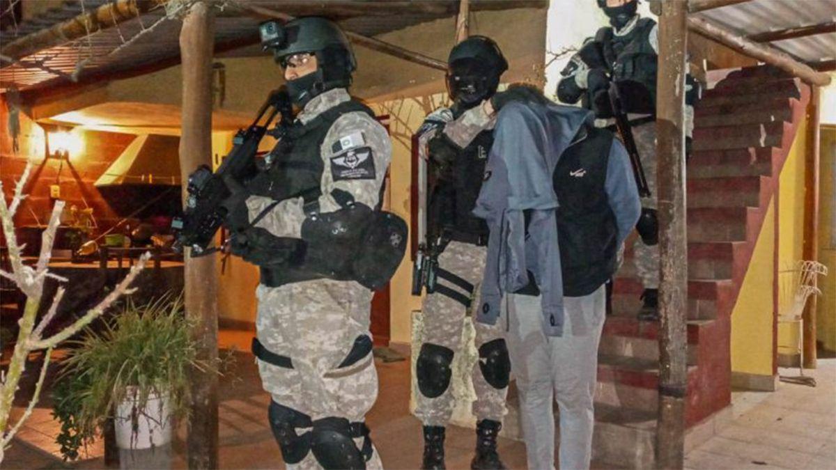 Quedaron detenidos tres hombres (18