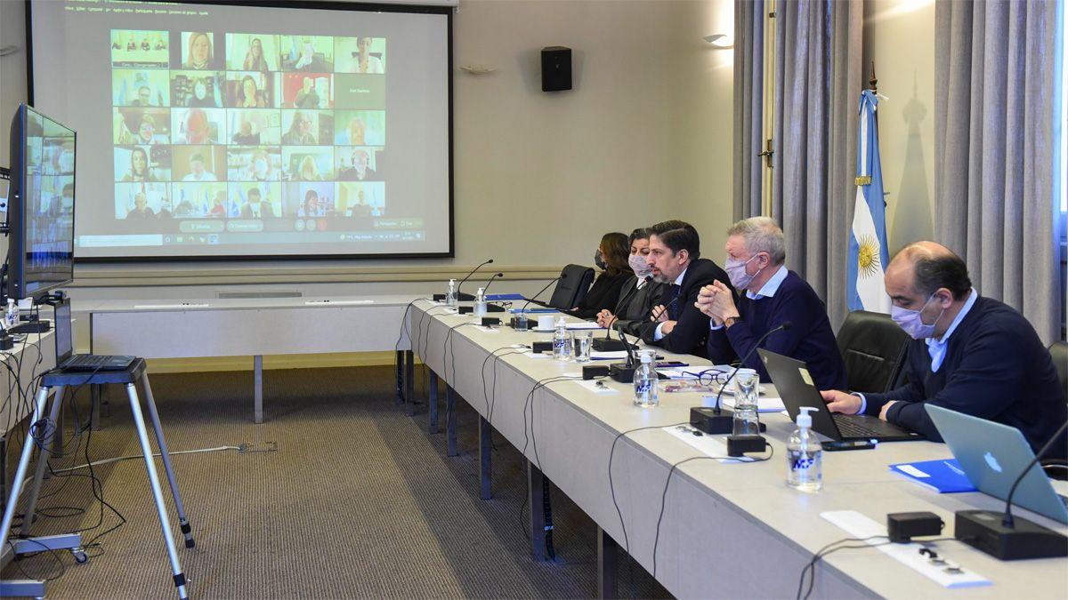 El ministro Trotta encabezó la reunión del Consejo Federal de Educación.