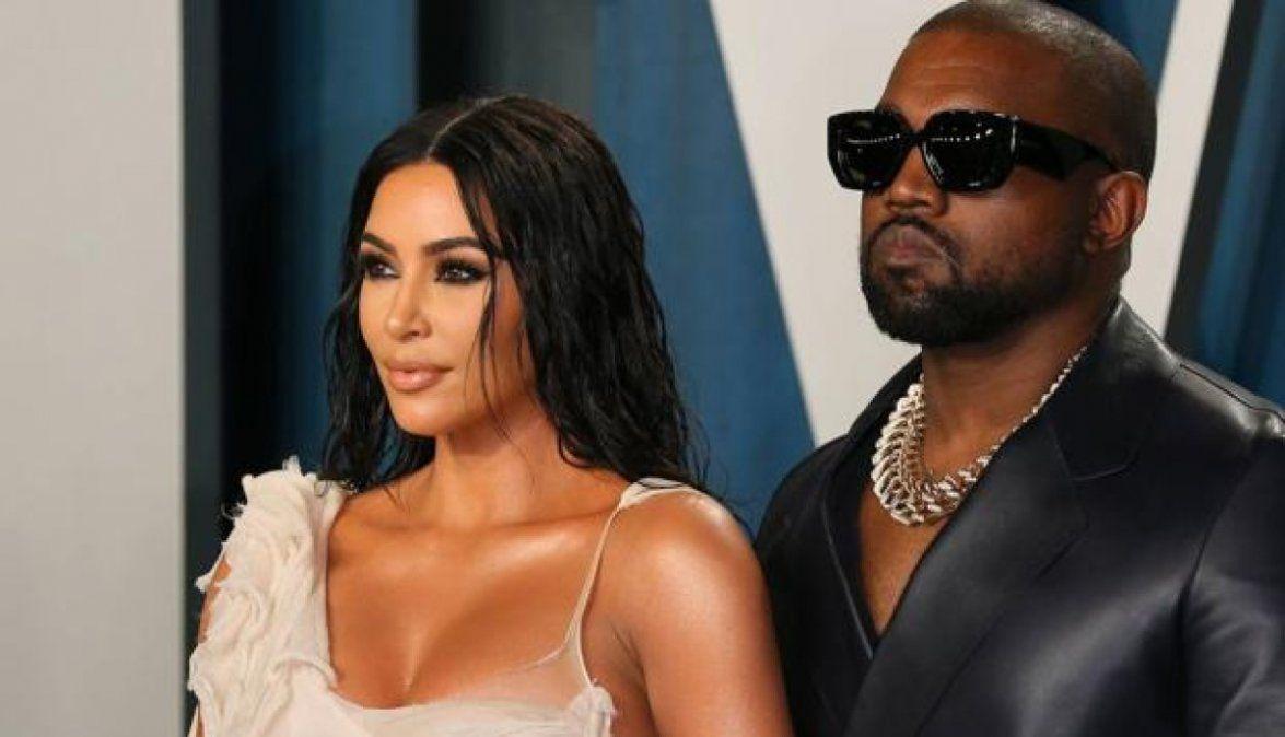 Kim Kardashian solicitó formalmente el divorcio a Kanye West.