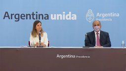 El jefe de Gabinete de Ministros de la Nación, Juan Manzur, y la directora ejecutiva de la Anses, Fernanda Raverta, anunciaron la implementación de la Jubilación Anticipada
