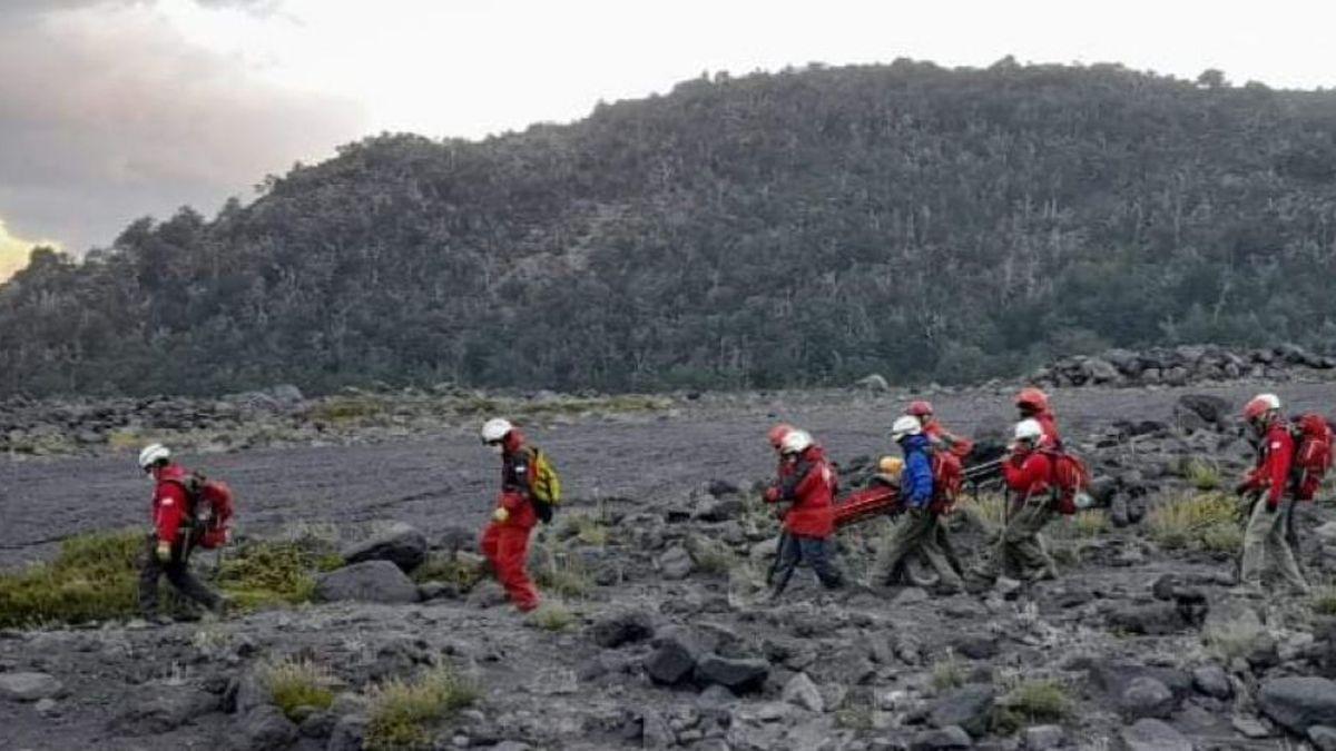 El hombre resultó lesionado tras sufrir varias caídas en el volcán Lanín.