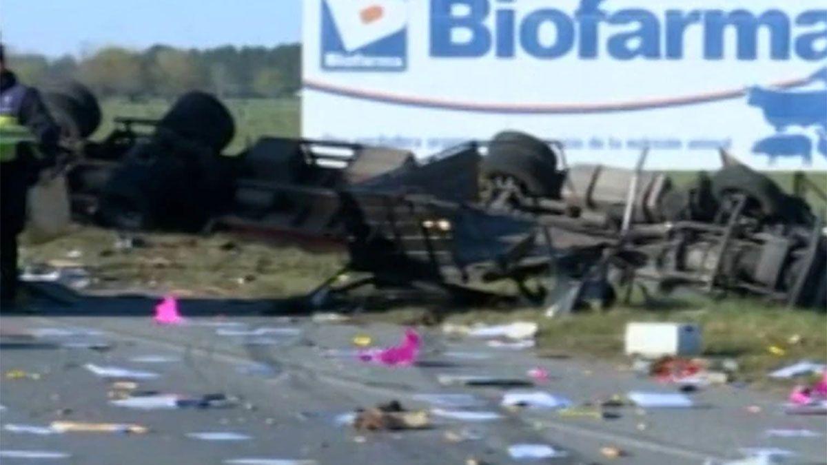 Así quedó el camión tras el choque múltiple
