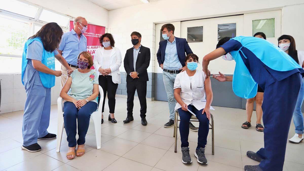 Fernández y Kicillof recorrerán uno de los centros de vacunación de Buenos Aires.