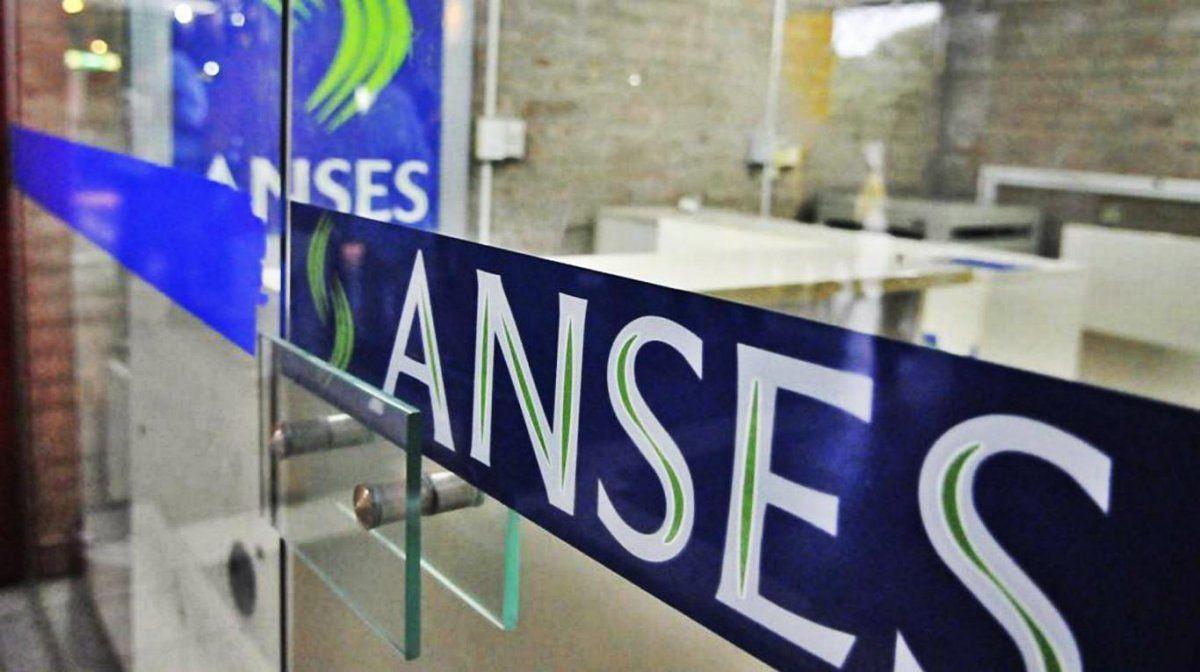 El proyecto contempla la renegociación de la deuda de 17 provincias con Anses.