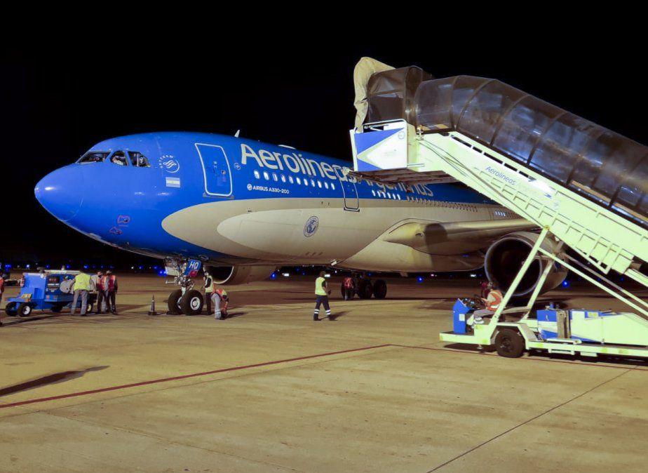 Aerolíneas realizó vuelos a China y Rusia en busca de vacunas.