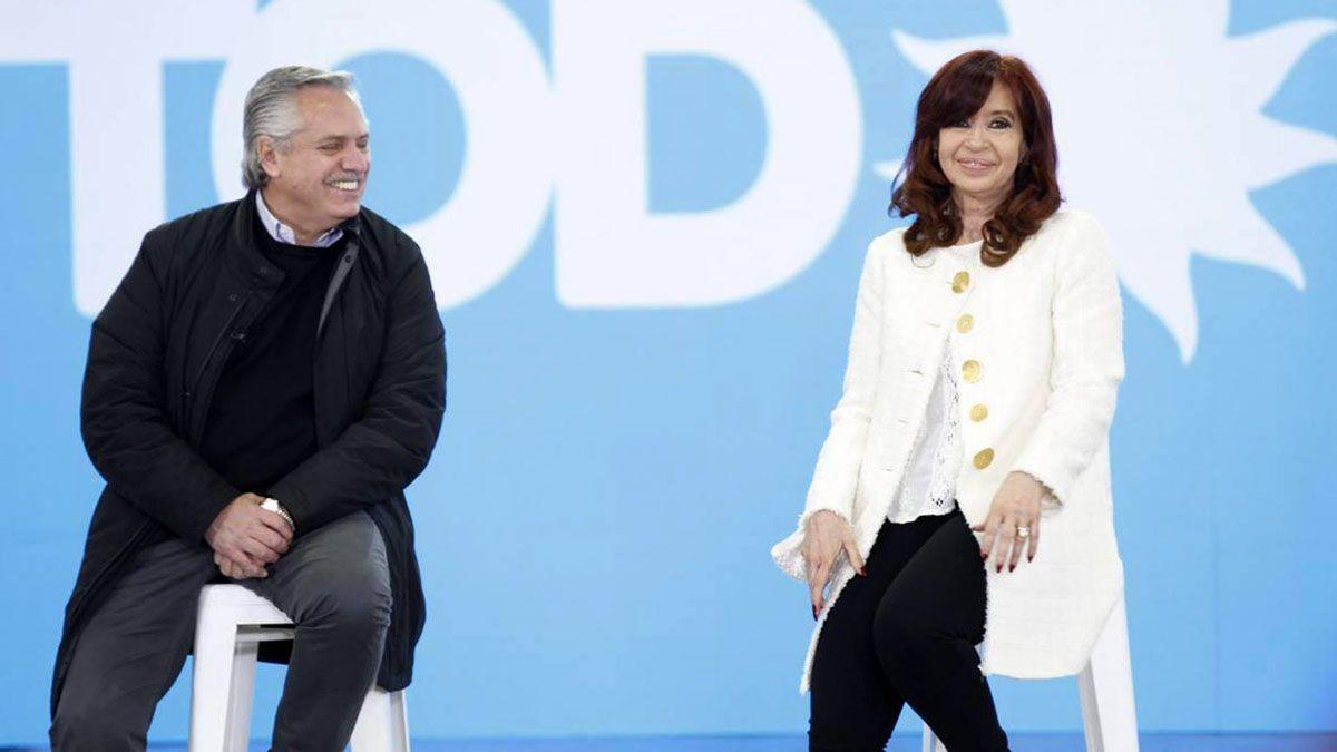 Alberto Fernández y Cristina Kirchner encabezaron la presentación de precandidatos.