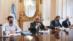 El jefe de Gabinete, Juan Manzur, encabezaba esta mañana la primera reunión del Gabinete nacional de ministros, en el Salón Eva Perón, de la Casa de Gobierno.