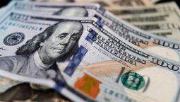 El dólar blue arrancó la semana post PASO con una baja de $3, para ofrecerse a $182 en el circuito informal, por lo que la brecha cambiaria cedía a poco más del 85%.