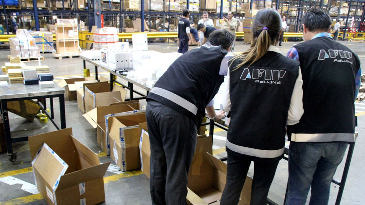 La mercadería donada terminaron en manos de la Aduana por diversas razones.