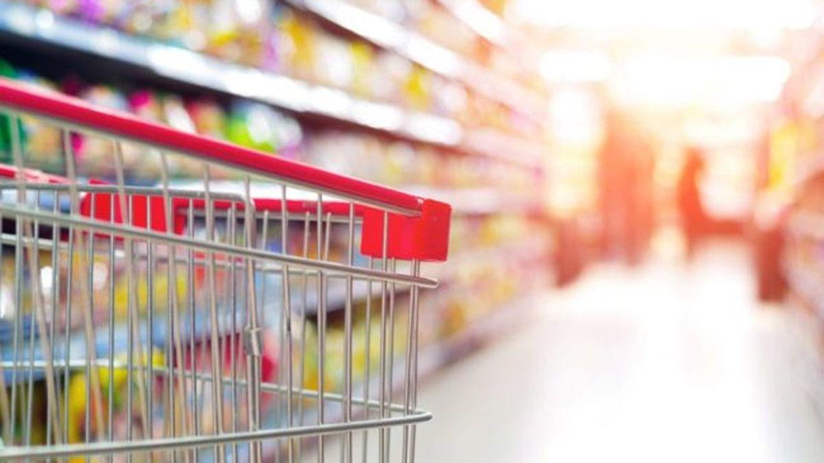 El Gobierno pide a los empresarios un congelamiento de precios