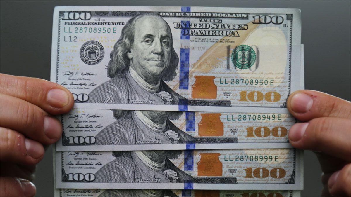 El dólar blue vuelve a subir y se amplía la brecha