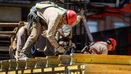 En el acumulado entre enero y mayo, la construcción verificó una caída del 42,2% contra igual período de 2019, siempre según las cifras oficiales.