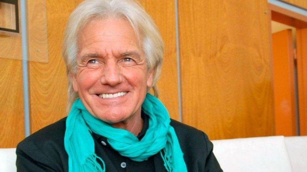 El cantante Sergio Denis