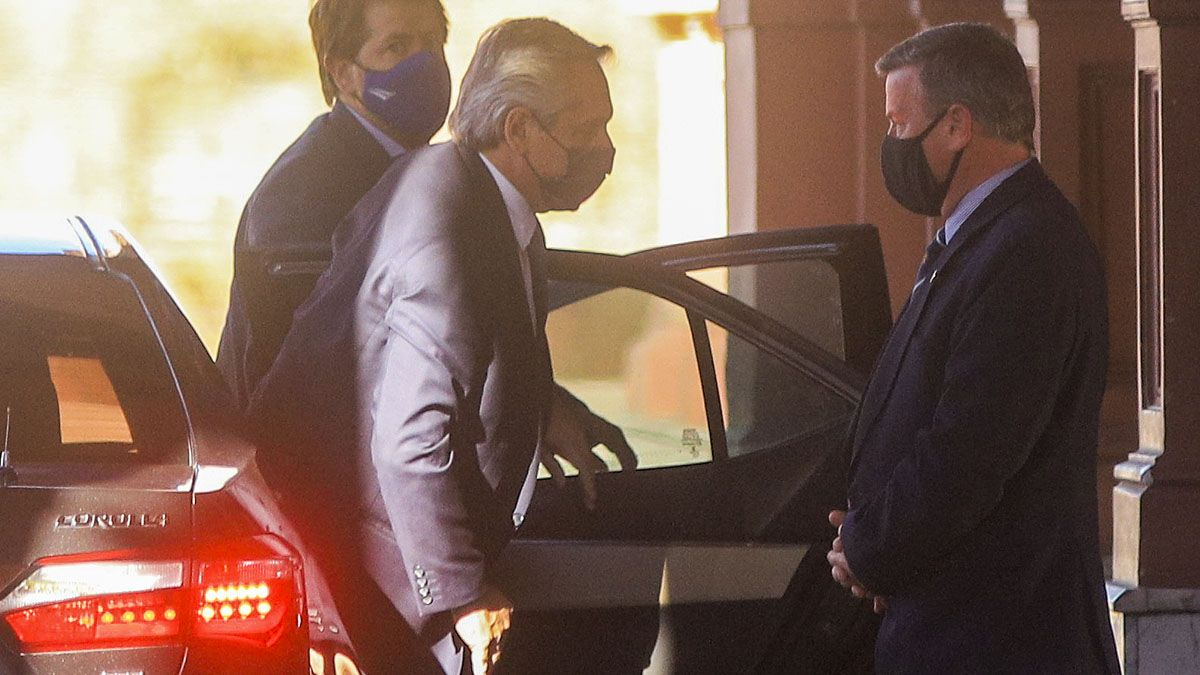 Alberto Fernández mantiene reuniones en la Casa Rosada.