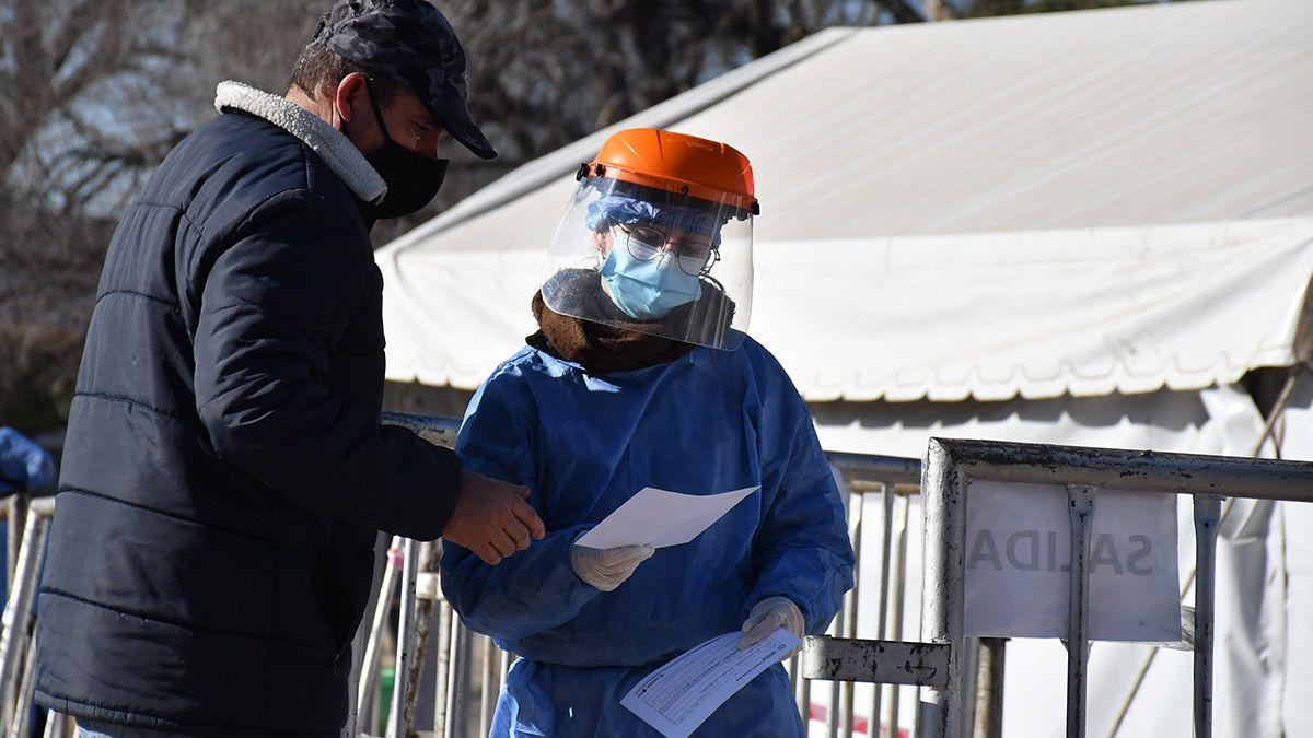 Intensifican la búsqueda de contactos de los infectados con la variante Delta en Córdoba.