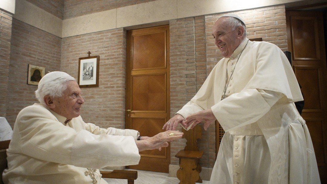 Tras Francisco, Benedicto XVI también se vacunó contra el coronavirus